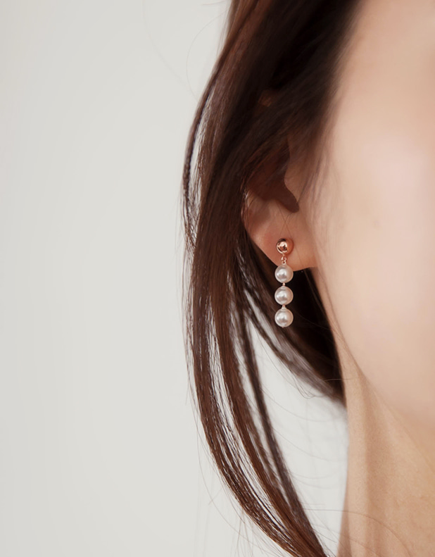 Suzanne pearl Earrings