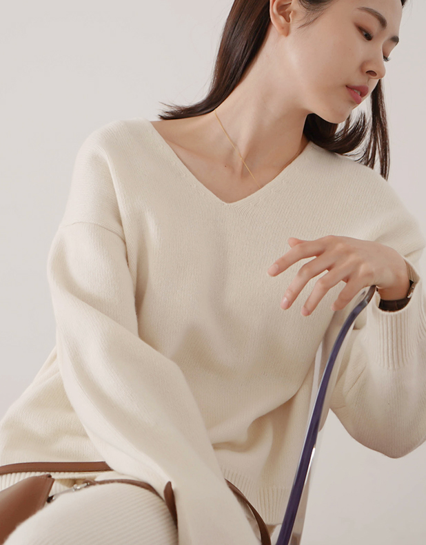 Abrirse Wool Blend V-neck Sweater