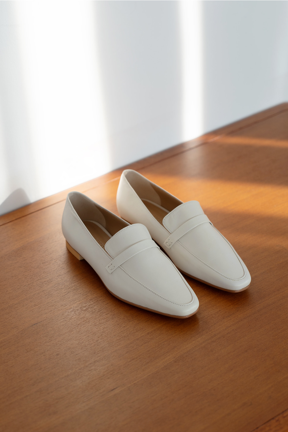 2263_Butter Classic Loafer