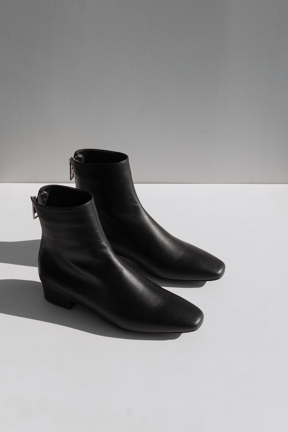 4135_Black Ankle Boots