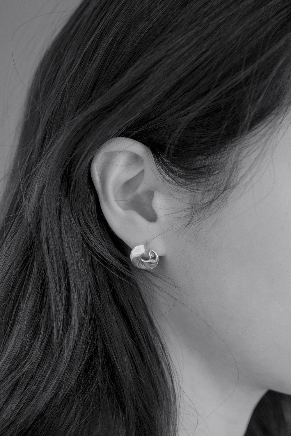 6679_C-shaped Earrings