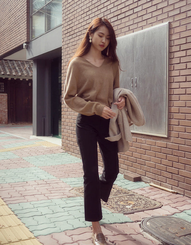 Klein V Knit_brown, beige