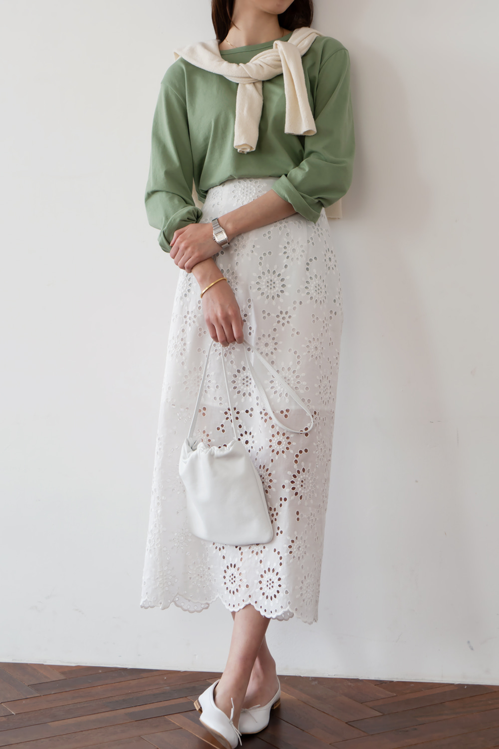 9754_Lace skirt