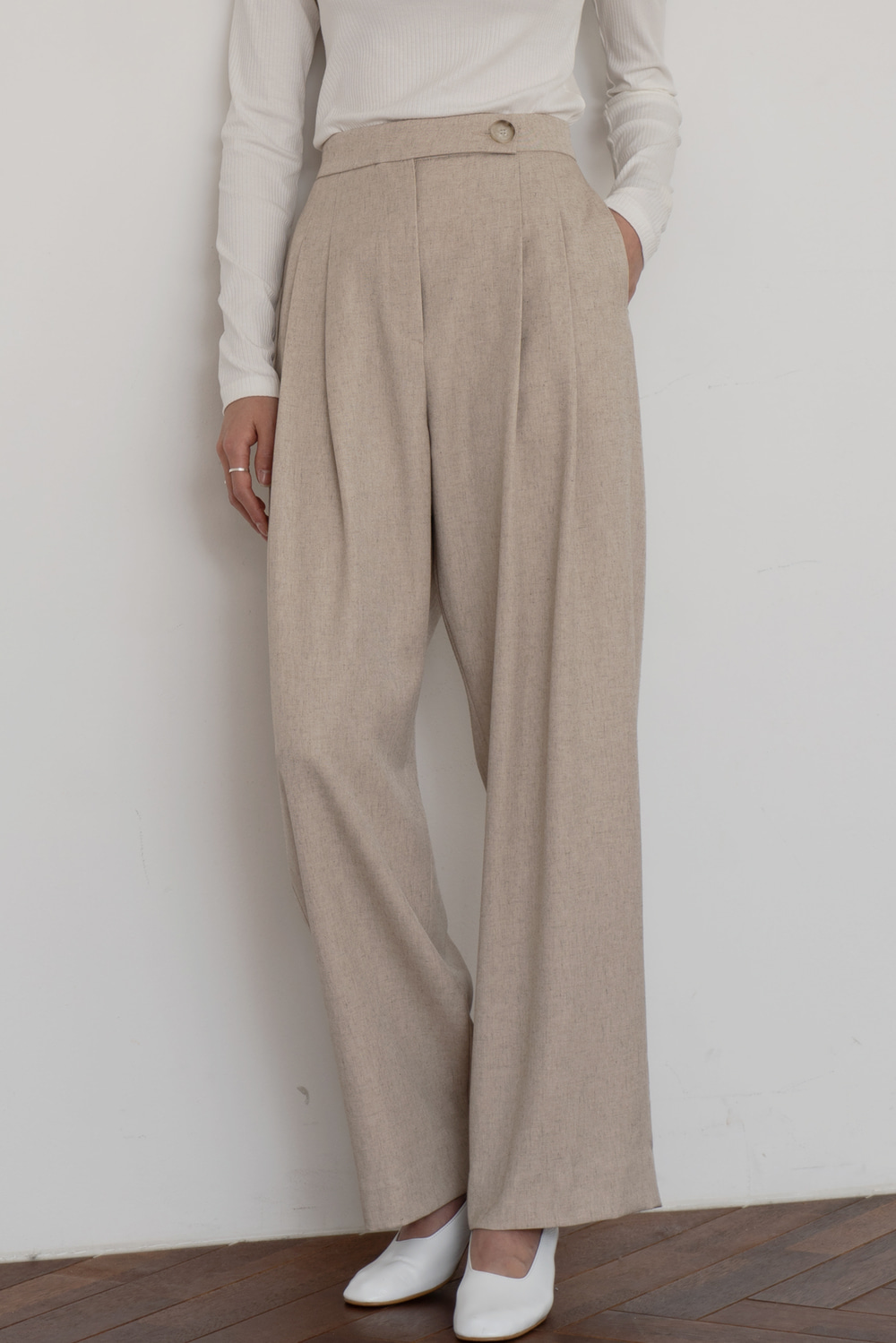 4243_Pintuck Trousers