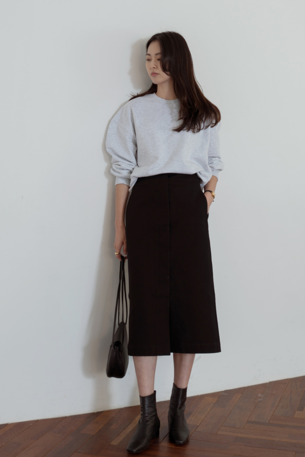 8030_Hidden button midi skirt