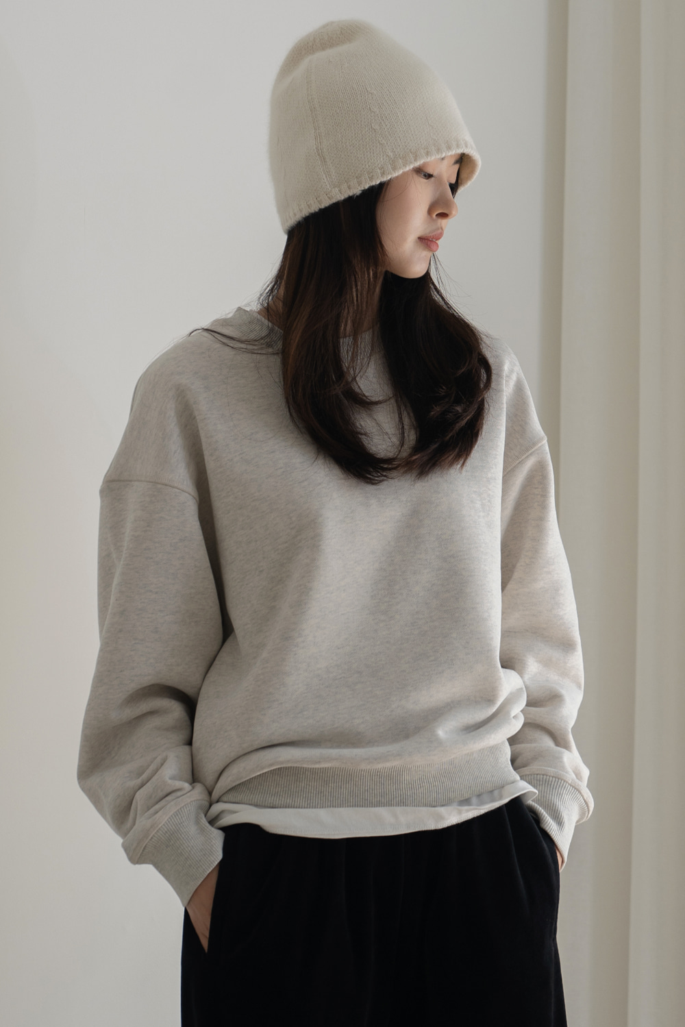 8668_SAL_Basic Cotton Sweatshirt
