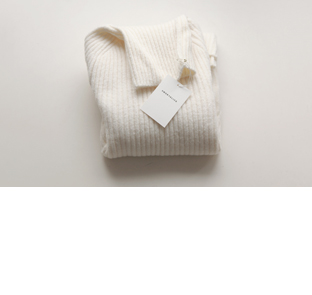 J turtle neck sweater(50% DC)