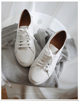 Retro Lambskin Low Sneaker