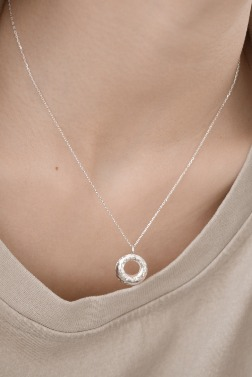 4976_Doughnut Necklace