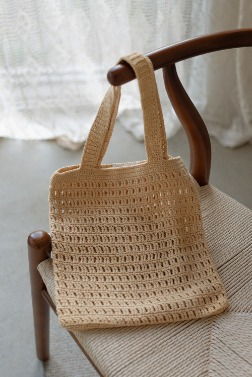 5905_Hand knit bag