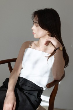 6033_Page sleeveless top