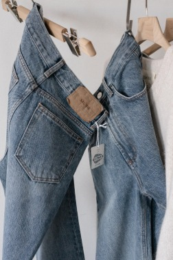 9332_Cone Stonewashed blue Jeans