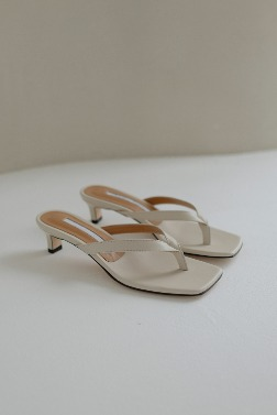 5378_Simple leather flip-flop