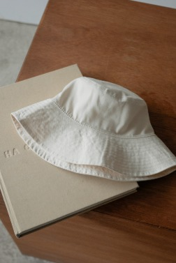 7168_Wide bucket hat