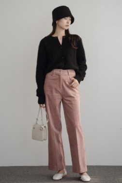 8940_Clean corduroy trousers